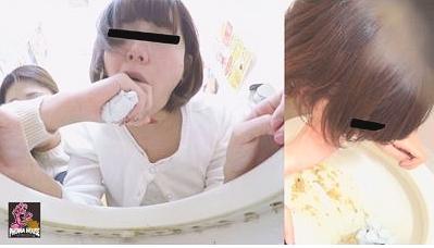 強制嘔吐 泥酔女を介抱する女7