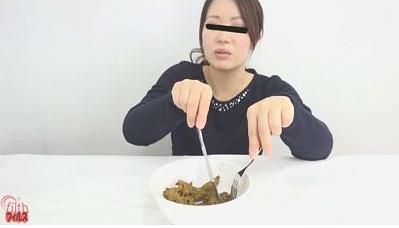 彼女の食事とそのうんこ1